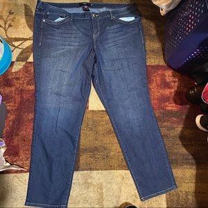 Torrid size 28R sophia jeans